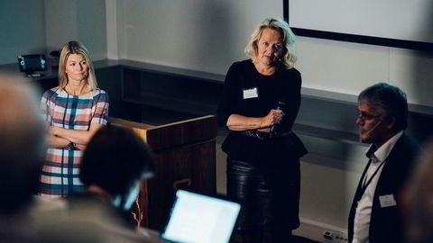 Direktør for utbygging og drift Ingrid Sølvberg (til venstre), kommunikasjonssjef Eldbjørg Vaage Melberg og underdirektør Arvid Østhus la fredag frem en ny ressursrapport fra Oljedirektoratet.