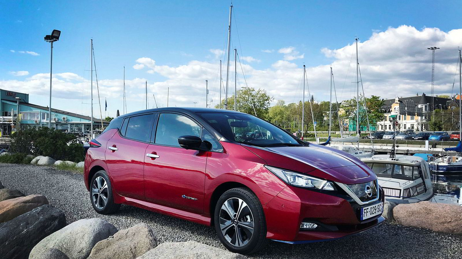 Nissan Leaf E+ er selvsagt helt lik sin mindre kraftfulle, men eldre bror.