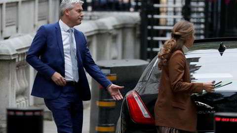 Brexit-minister Stephen Barclay på vei ut fra sitt kontor i Downing Street i London