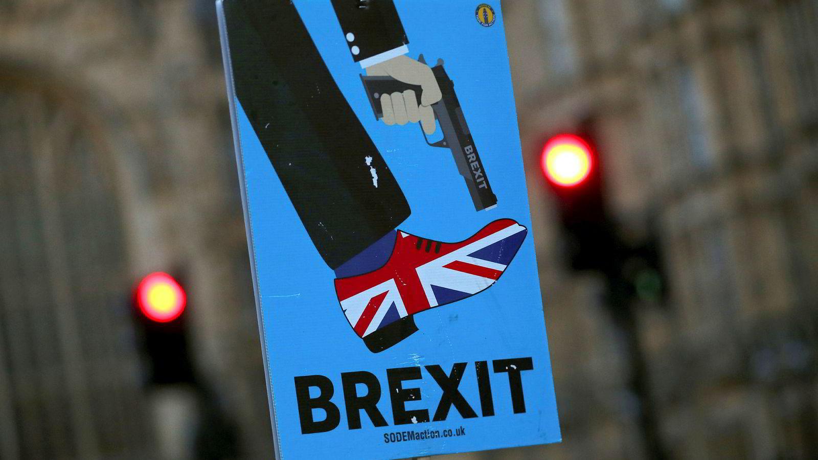 De som ønsker at Norge skal ut av EØS, bør lære av det kaoset dette har vært med på å skape for Storbritannia.