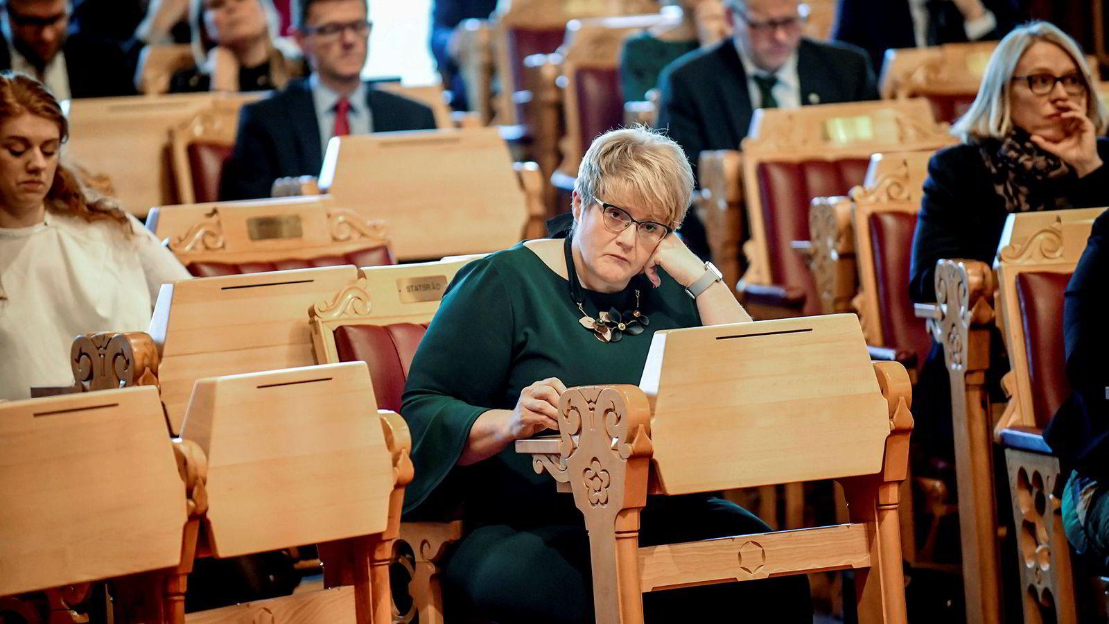 Interne kilder i Venstre forteller til DN at Venstre-leder Trine Skei Grandes gråting gjør det vanskelig å ta opp kritikk og negative forhold i partiet.