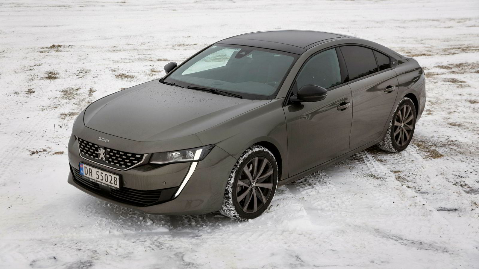 Peugeots nye 508 byr på et lekkert ytre, med en god porsjon snu-seg-faktor.