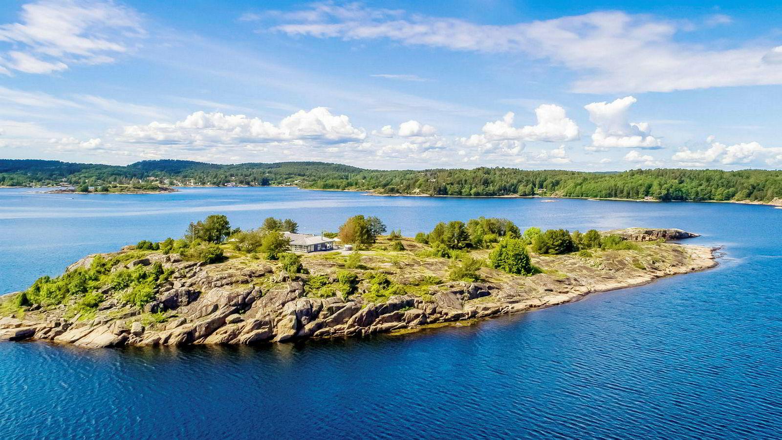Investor Tone Bjørseth-Andersen og ektemannen John Andersen kjøpte denne øya på Tjøme i Færder kommune for 33 millioner kroner i fjor. Det var fjorårets dyreste sjøhyttesalg, ifølge Bisnode.