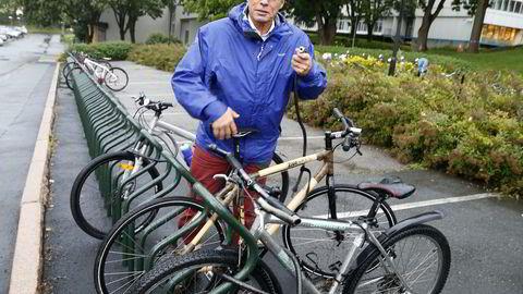 - Norge kan bli helt klimanøytralt i morgen ved å kjøpe klimakvoter, og det vil ikke koste mer enn det kostet å gruslegge Slottsplassen, sier MDGs Rasmus HanssonFoto: Terje Pedersen /