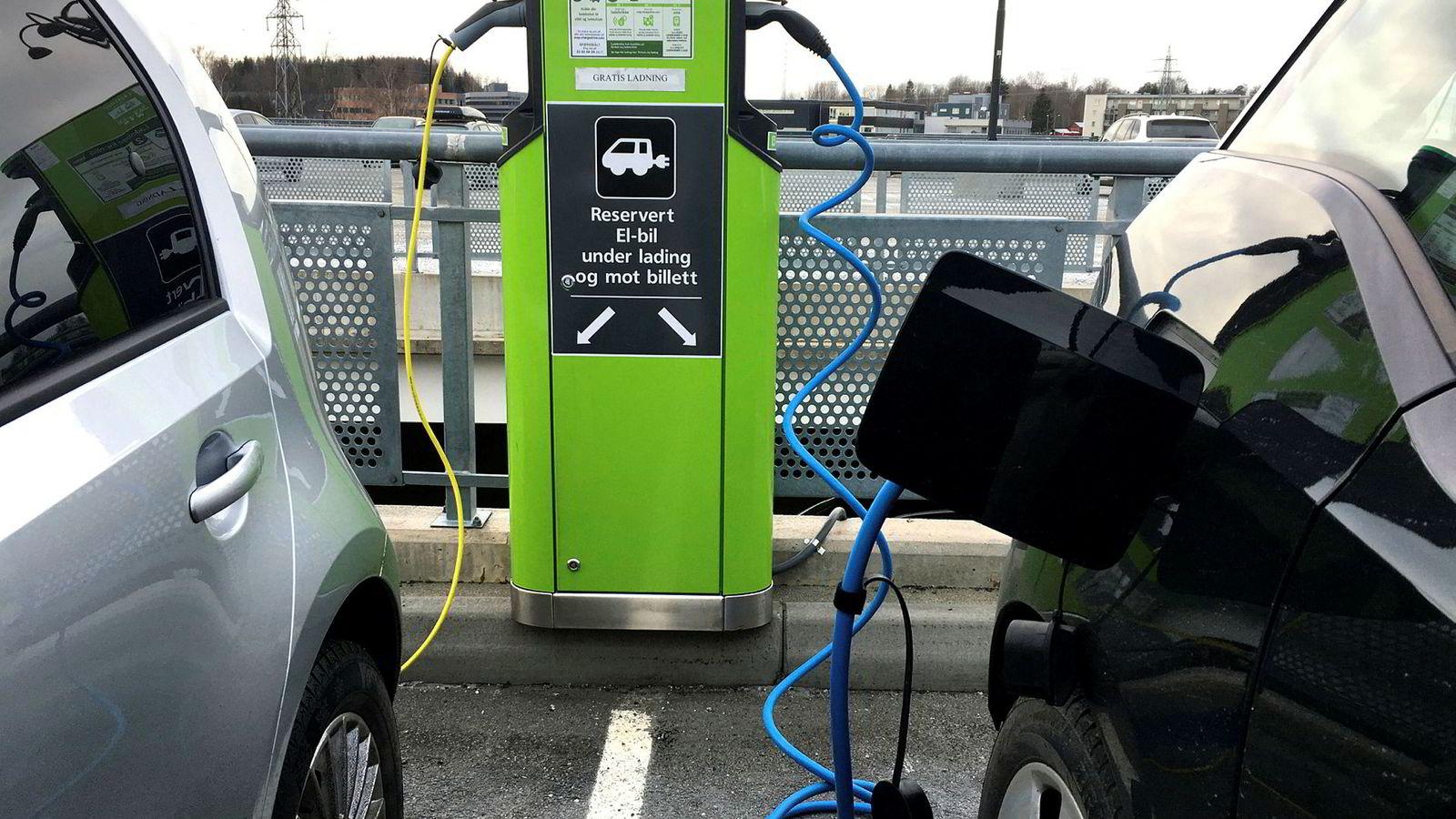 Smart elbillading kan spare milliarder.