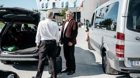 Okea-sjef Erik Haugane praier en taxi på vei hjem fra oljemessen ONS i Stavanger.