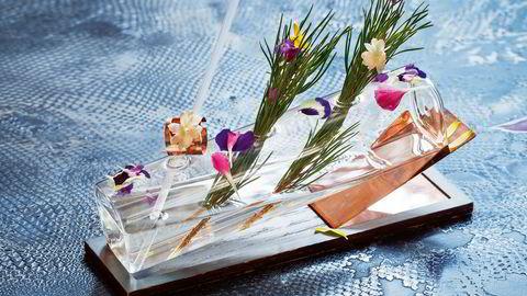 Digidiva er Artesians mest fotograferte drink. En skulptur av glass dandert med granbar og blomster. Foto: