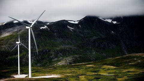 Hva har det ikke å si for verdens klimagassutslipp at aluminium produseres på ren, norsk vind- og vannkraft og ikke skitten kullkraft? Spør forfatteren. Her fra Fakken Vindpark. Foto: Thomas Haugersveen