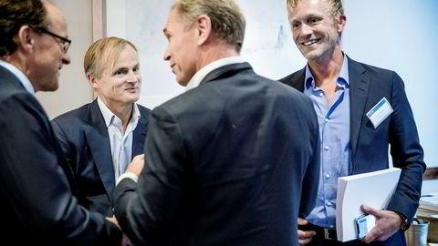 Martin Mølsæter (til høyre) tjente på kort tid en halv milliard under finanskrisen sammen med Øystein Stray Spetalen (nummer to fra venstre) og Kjell Erik Eilertsen (til venstre). Privatinvestor og tidligere corporatesjef i ABG Sundal Collier, Arild Engh, står med ryggen til. Her er de sammen på Pareto-konferansen som ble avholdt i september.