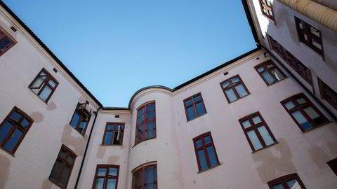 Tall fra DNB Eiendom og Privatmegleren viser fall i boligprisene i juni.
