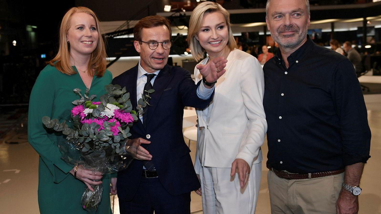 På valgnatten samlet partilederne seg og deltok i SVTs valgstudio. Den borgerlige «Alliansen» består av Annie Lööf (fra venstre) (Centerpartiet), Ulf Kristersson (Moderaterna), Ebba Busch Thor (Kristdemokraterna) og  Jan Björklund (Liberalerna).