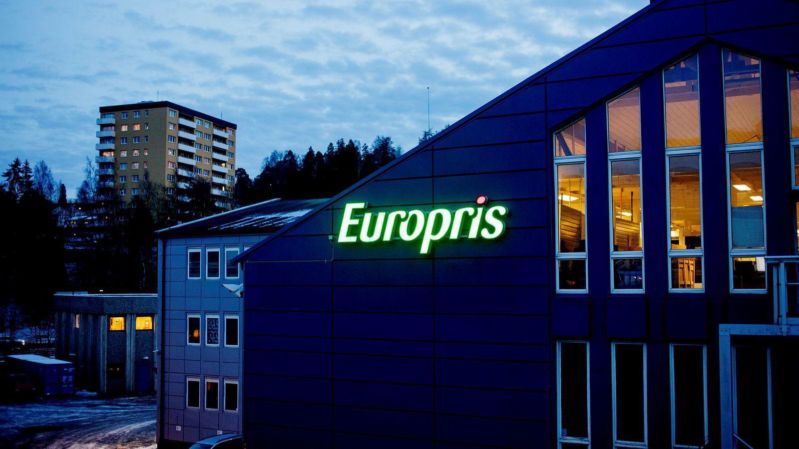 Lavpriskjeden Europris viser en fin utvikling innenfor en stigende trend. Aksjen ga kjøpssignal fra en liten formasjon i midten av juni, og videre oppgang indikeres.