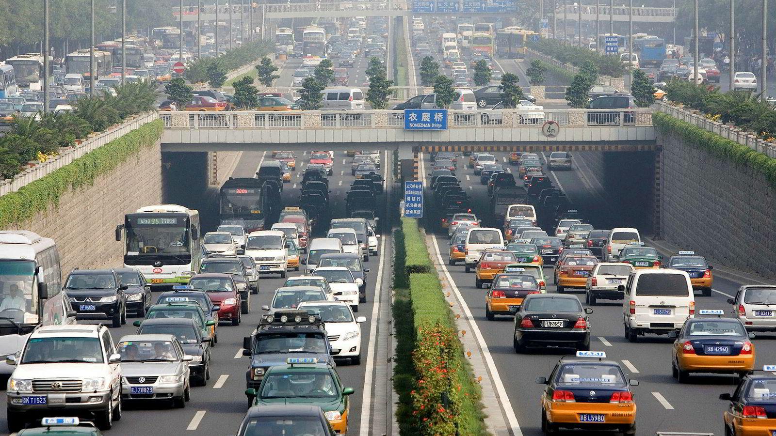 «Hvis Norge er ansvarlig for utslippene fra folk som kjører bil med norsk olje på tanken, er Kina ansvarlig for utslippene som oppstår når vi forbrenner produkter som er «made in China» i våre avfallsanlegg», skriver innleggsforfatteren. Bildet er fra Beijing.