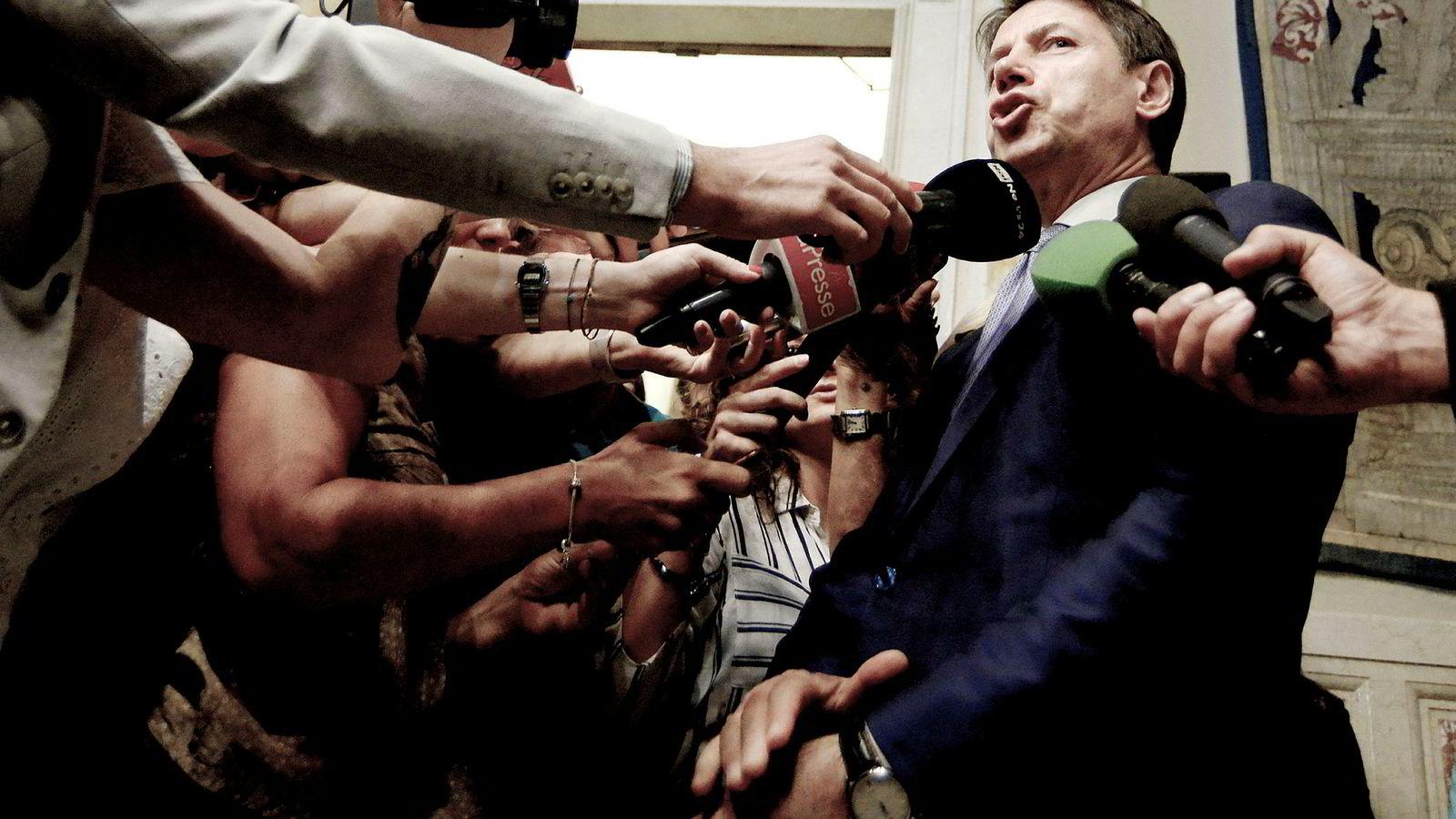Giuseppe Conte trakk seg som Italias statsminister tirsdag ettermiddag.