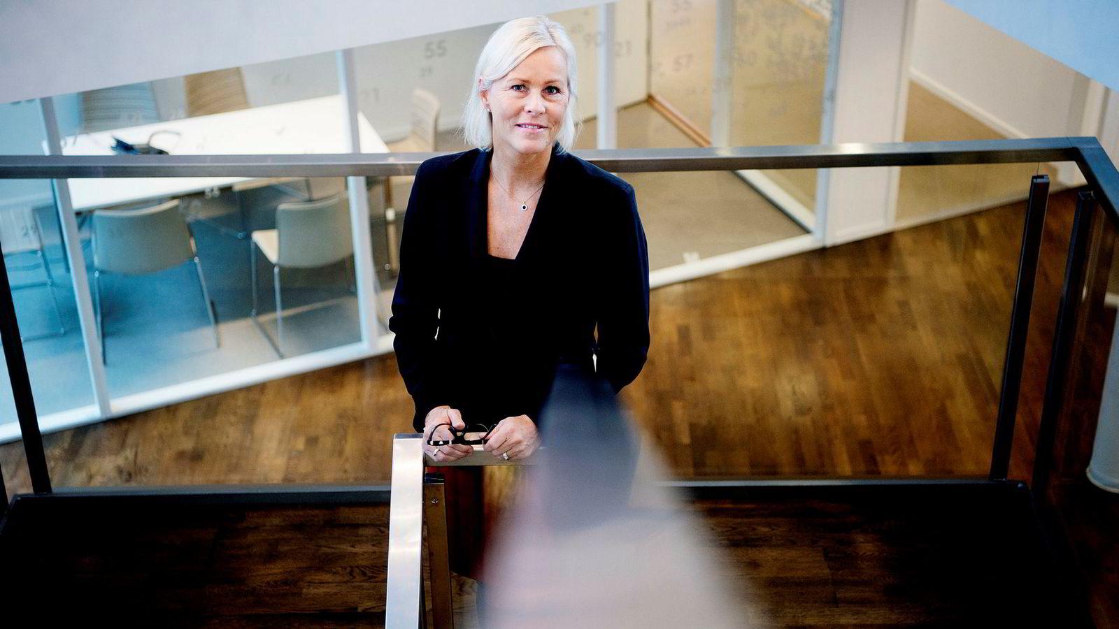 Leder Tone Lunde Bakker i Swedbank Norge sier rutinene er skjerpet etter at den norske filialen fikk sterk kritikk av Finanstilsynet i 2016. Hun vil ikke svare på om penger fra hvitvaskingssaken i Baltikum kan spores til Norge.