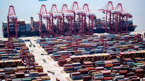 Hovedpoenget med internasjonal handel er at vi selger det vi er best på å produsere, og får tilgang til andre varer og tjenester. I dagens verden er selvsagt bildet mer komplisert, skriver innleggsforfatteren. Foto: Johannes Eisele/AFP/NTB Scanpix