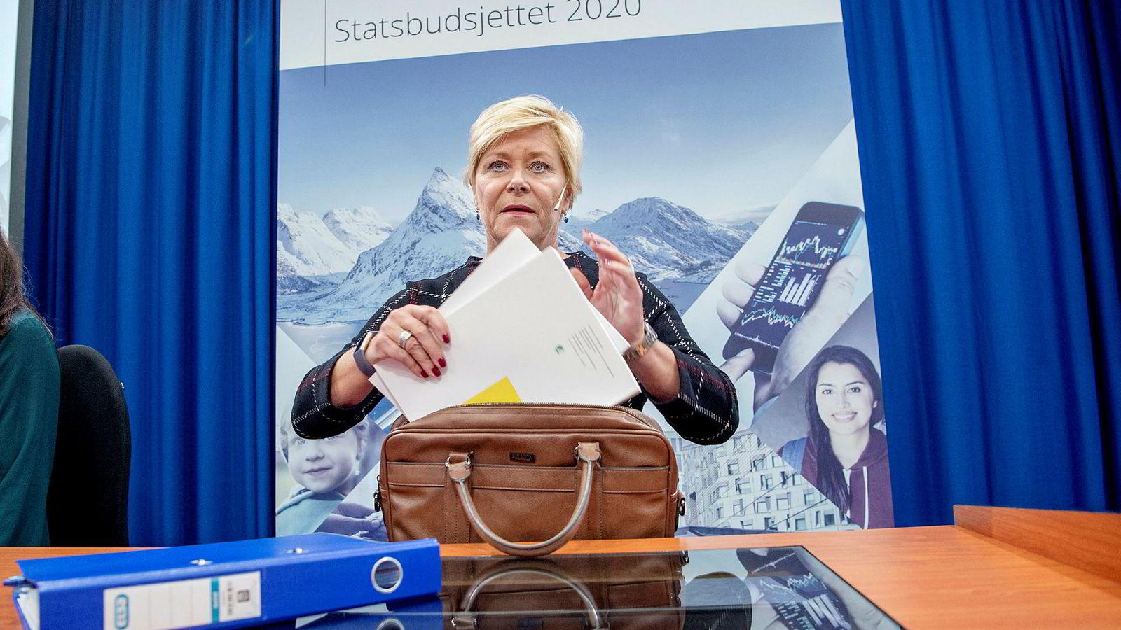 Finansminister Siv Jensen på pressekonferanse om statsbudsjettet.