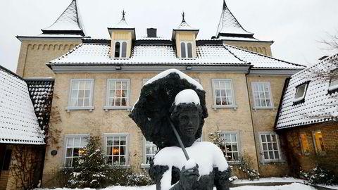 Refsnes Gods ble bygget i 1767 og har de siste 21 årene vært eiet av Widar Salbuvik og drevet av hans kone Gunn. Nå er hotellet solgt.