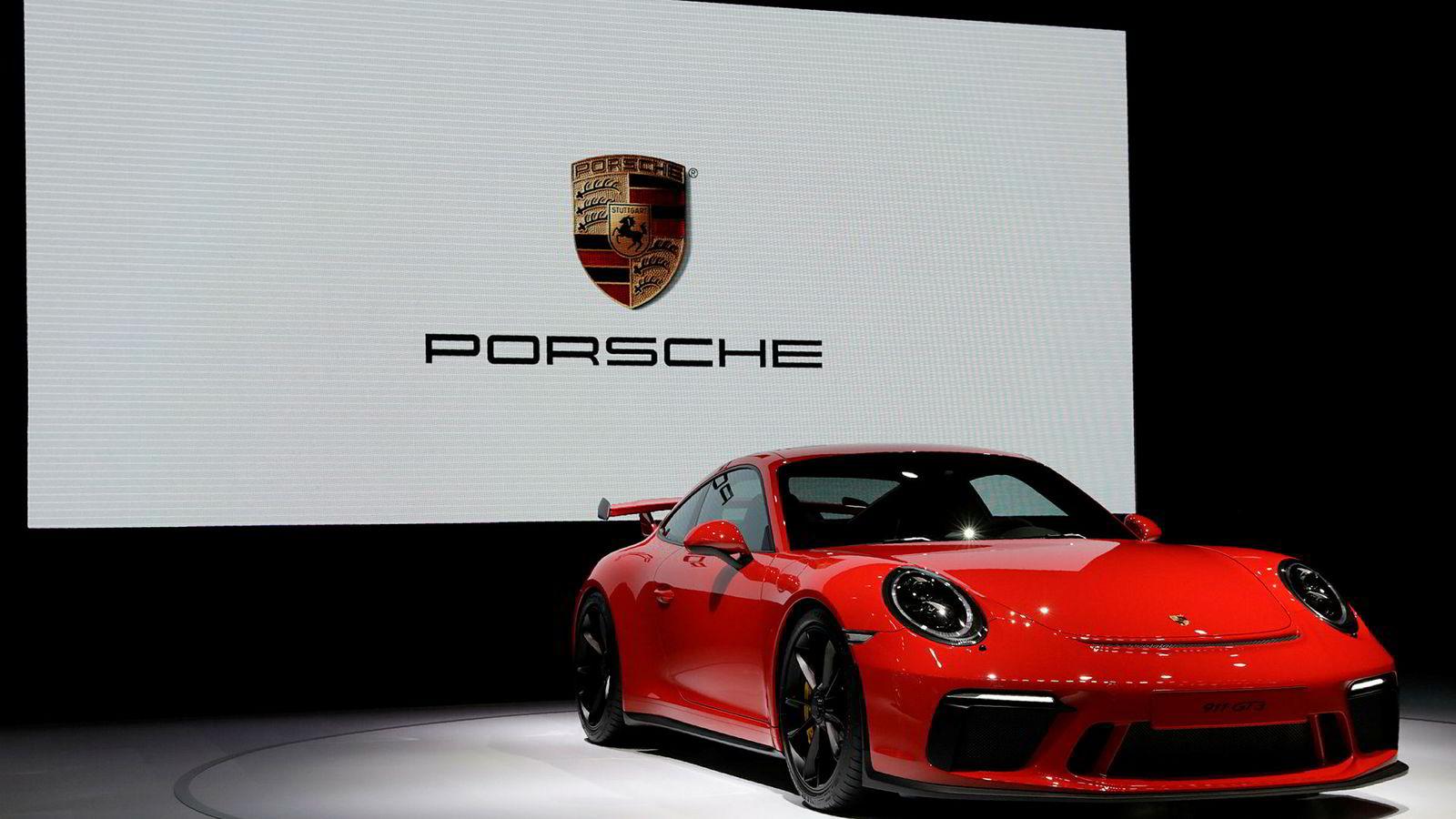Tyske Porsche, her ved modellen 911 GT3, etterforskes for juks.