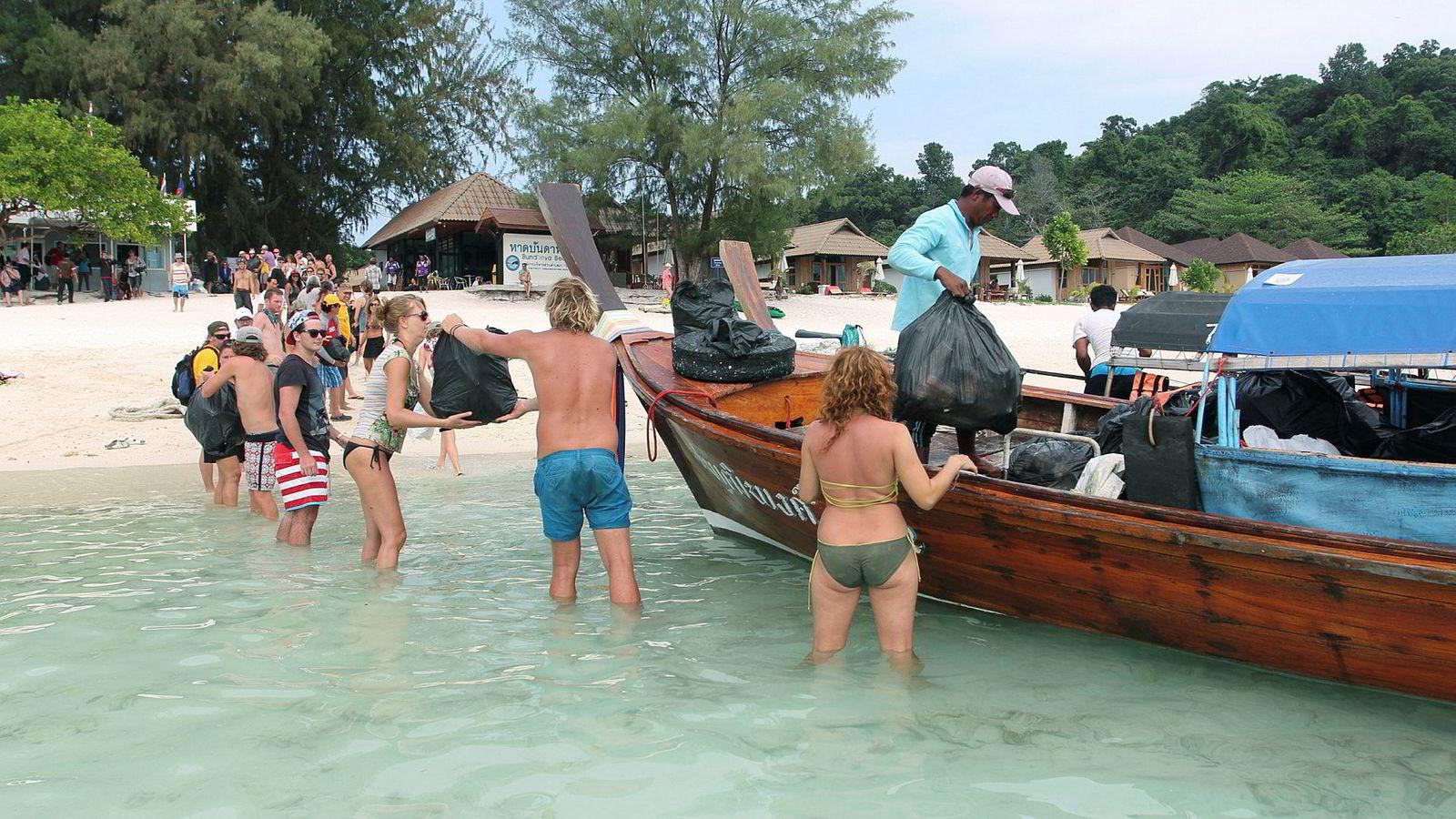 Asiatiske reiselivsdestinasjoner har fått nok av «begpackers» som tigger for å finansiere reise og opphold. Her fra Ko Lipe i Thailannd.
