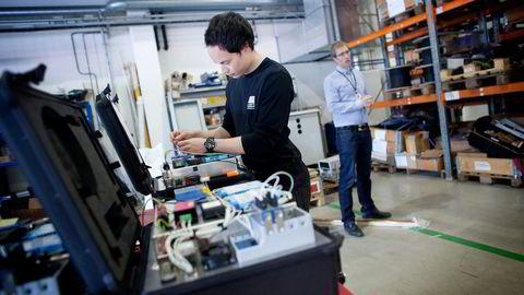 Industrielektriker Eric Mo er medlem i El- og it-forbundet i LO. Sammen med daglig leder Øystein Stjern i IKM Elektro er han tilhenger av alt som kan få opp aktiviteten i oljeindustrien. Foto: Tomas Larsen