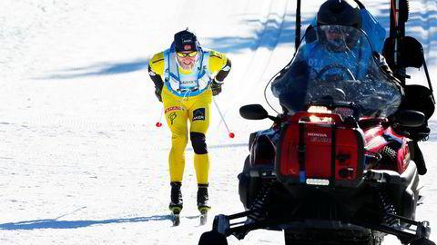 Martin Johnsrud Sundby vant Birkebeinerrennet lørdag formiddag til tross for uhell med en scooter.
