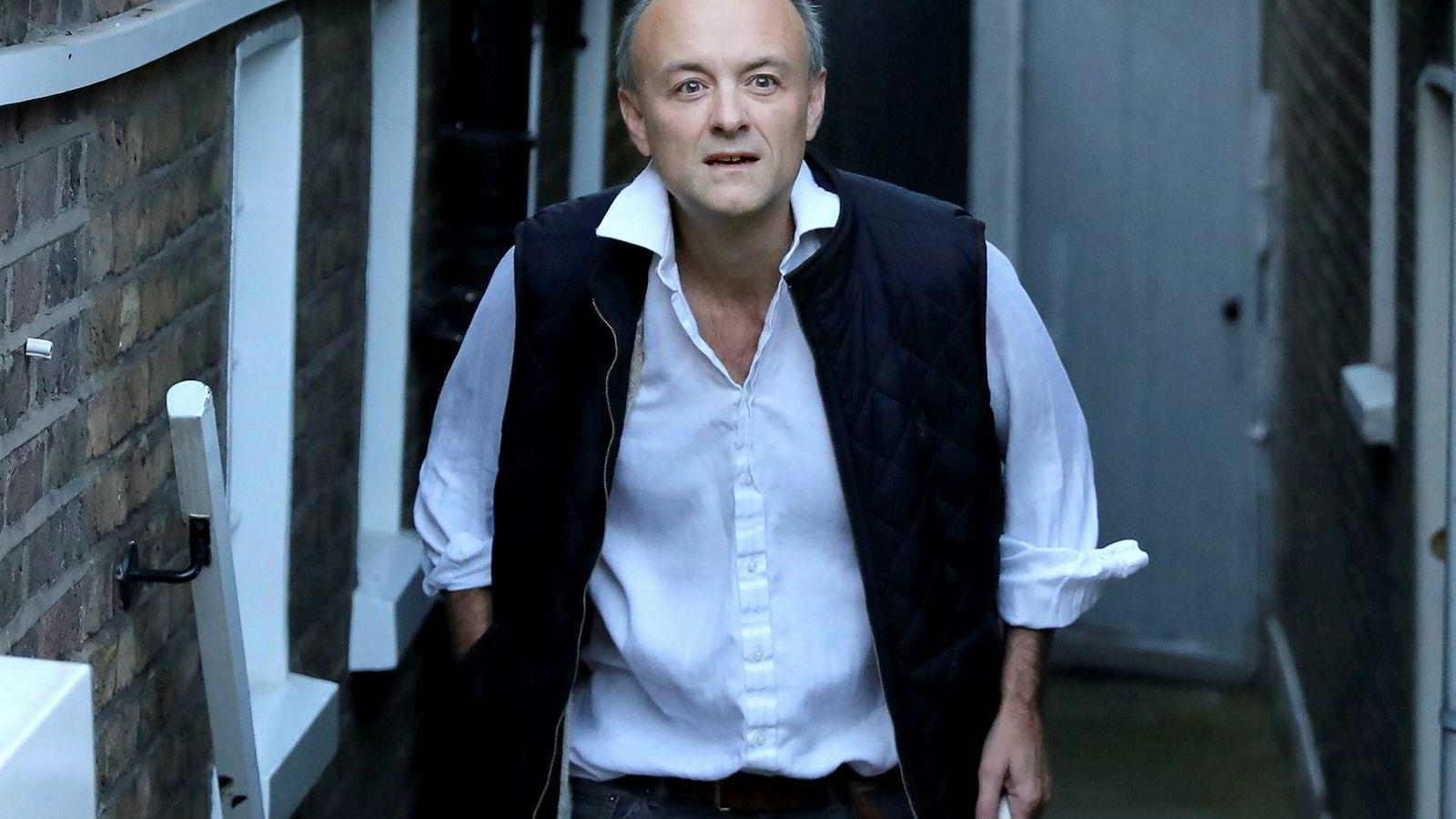 Makten bak tronen? Statsminister Boris Johnsons brexit-rådgiver, Dominic Cummings, har ledet regjeringens harde kamp for utmarsj fra EU 31. oktober. Han kan ha overspilt.