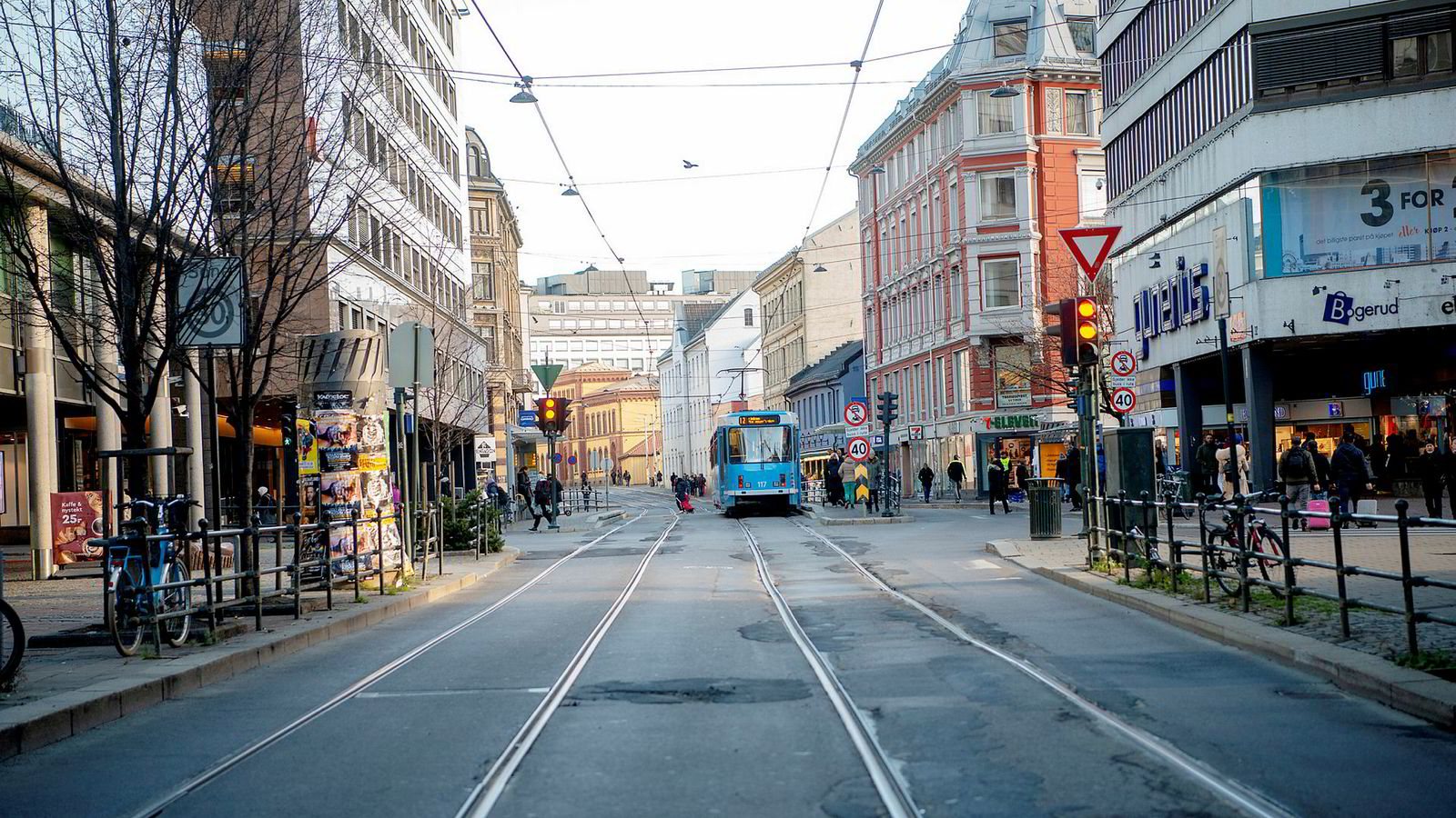 Storgata (bildet) i Oslo skal totalrenoveres. Nye trikkeskinner skal da legges i parallellgaten Christian Krohgs gate.