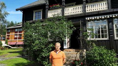 Sigmund Straand, direktør og medeier av Straand Hotel i Vrådal i Telemark, mener momsøkningen på overnatting er hovedårsaken til at lønnsomheten i bransjen stuper.