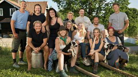Selv om tv-tittingen går ned, har TV 2 fortsatt grepet om seerne med «Farmen» og kjendisversjonen med samme navn.