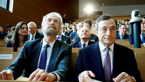 Peter Praet (til venstre) er medlem av Den europeiske sentralbanken og er ansett som en nær alliert av sjefen Mario Draghi.