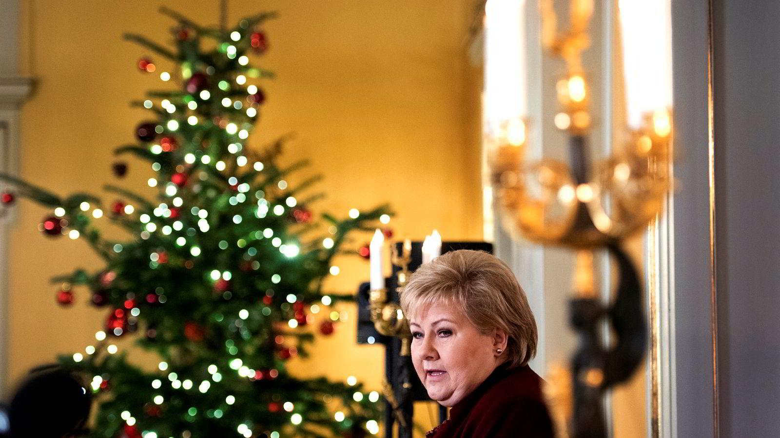 – Jeg mener vi har fått mye til med en mindretallsregjering. Men selvfølgelig vil mulighetene bli enda større med en flertallsregjering, sa statsminister Erna Solberg da hun ringte julen inn med oppsummerende pressekonferanse i regjeringens representasjonsanlegg.
