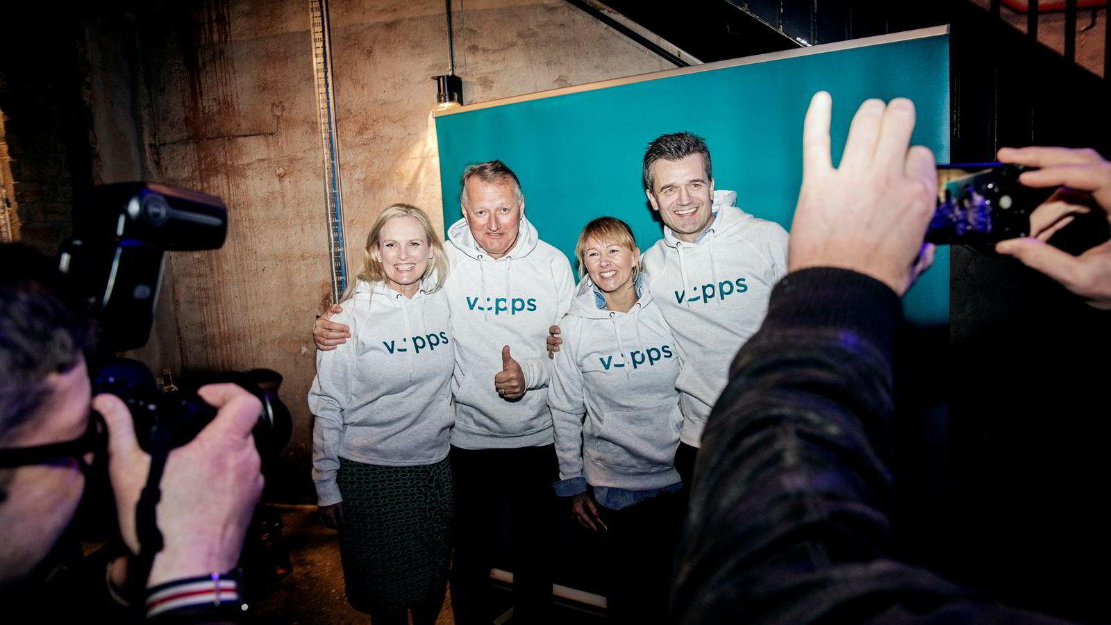 Hvordan DNB har dyrket frem betalingstjenesten Vipps er et godt eksempel på digitalisering. Her fra pressekonferansen hvor 100 norske banker går inn i Vipps-samarbeidet. Fra venstre: Hege Toft Karlsen (konsernsjef i Eika Gruppen), Rune Bjerke (konsernsjef i DNB), Elisabeth Haug (administrerende direktør i Sparebank 1 Mobilbetaling (Mcash)) og Rune Garborg (konserndirektør Vipps og betaling i DNB).