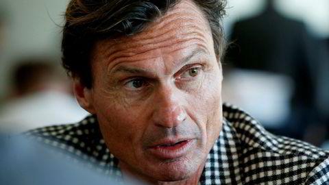 – Vi kan ikke sitte og se på at en gjeng gamle menn på 55 pluss selv skal stå for endringene i samfunnet vårt, sier Petter Stordalen.