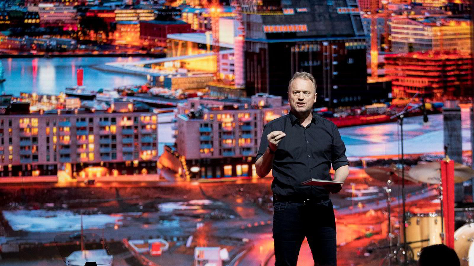 Byrådsleder Raymond Johansen (Ap) i Oslo tar Fremskrittspartiets bompengeforslag med lave skuldre.