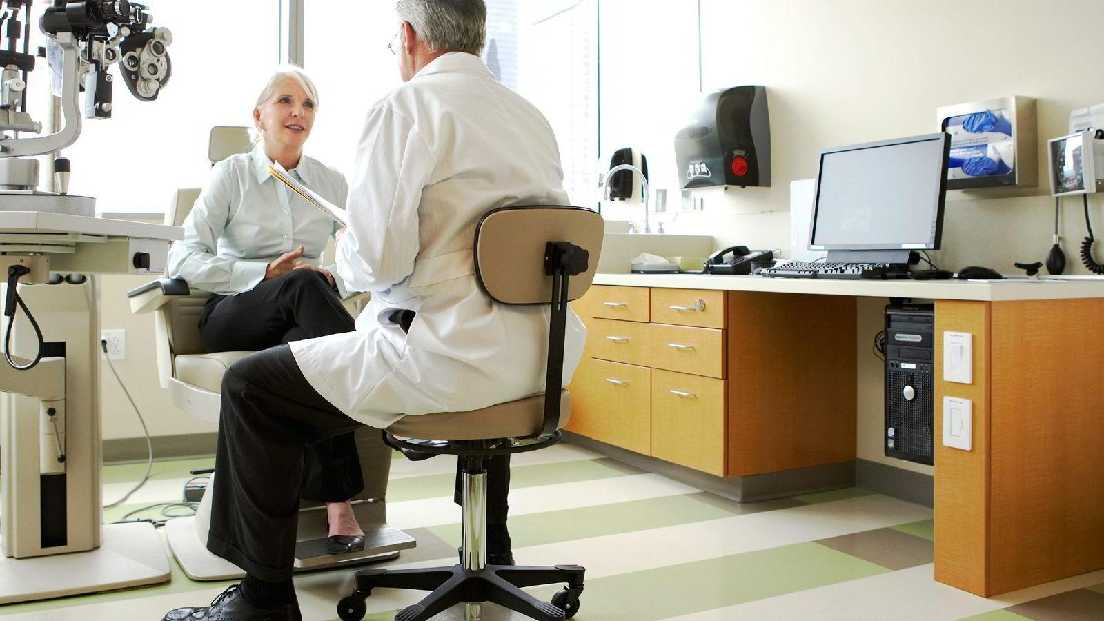 Om markedet gjør at legen blir mer tilgjengelig og mer serviceinnstilt, er det da utenkelig at han i møtet med kravstore pasienter også gir dem «det de vil ha»?