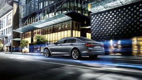 740e heter den ladbare varianten av BMWs luksussedan. Foto: BMW
