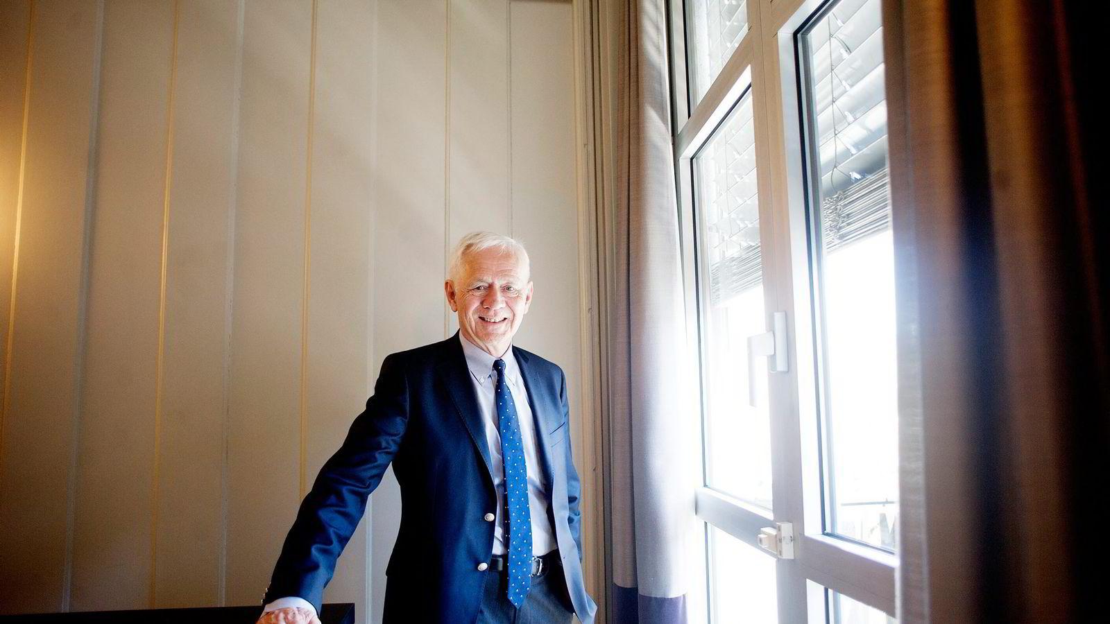 Professor i samfunnsøkonomi, Victor D. Norman.
