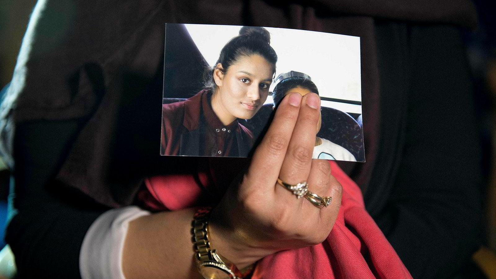 En høygravid 19-åring og IS-brud, Shamima Begum, ønsker å komme tilbake til Storbritannia, ifølge et intervju med britiske Times.