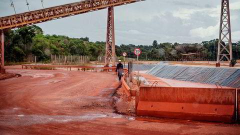 Den føderale domstolen i Belém har fjernet forbudet mot det nye slamdeponiet DRS2 i den sivilrettslige prosessen, skriver Hydro i en børsmelding fredag kveld.