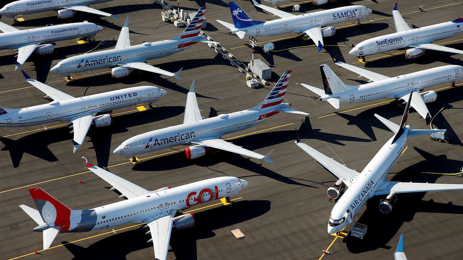 Usikkert når Boeing 737 Max kan fly igjen, som disse som er parkert hos Boeing i Seattle.