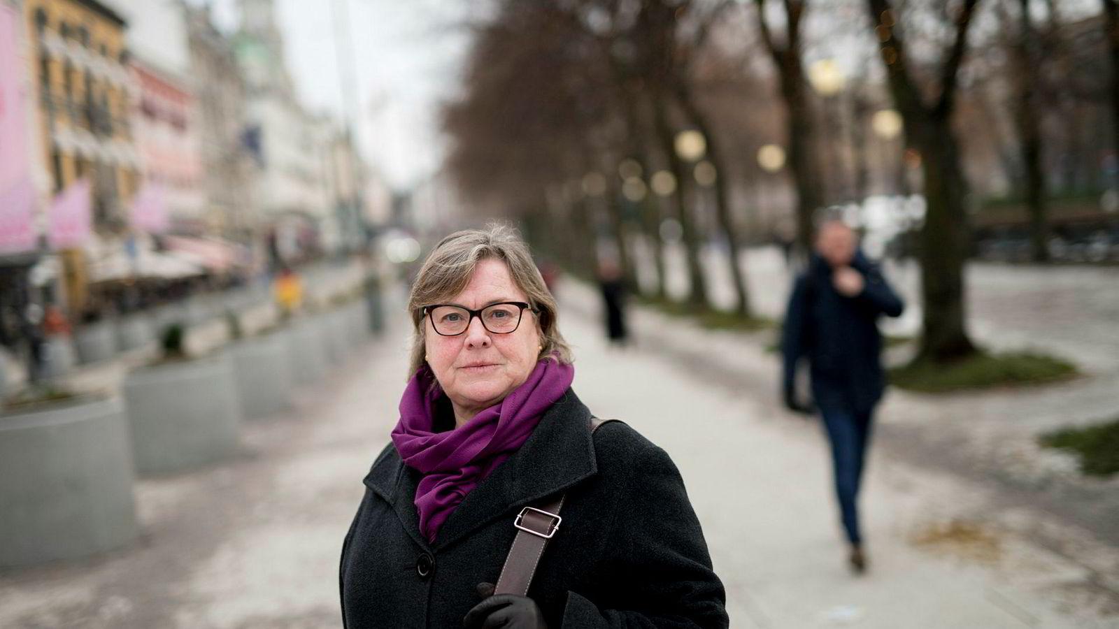 Elisabeth Realfsen, leder av Finansportalen, mener lånekunder har mye å vinne på å ta en telefon til banken.