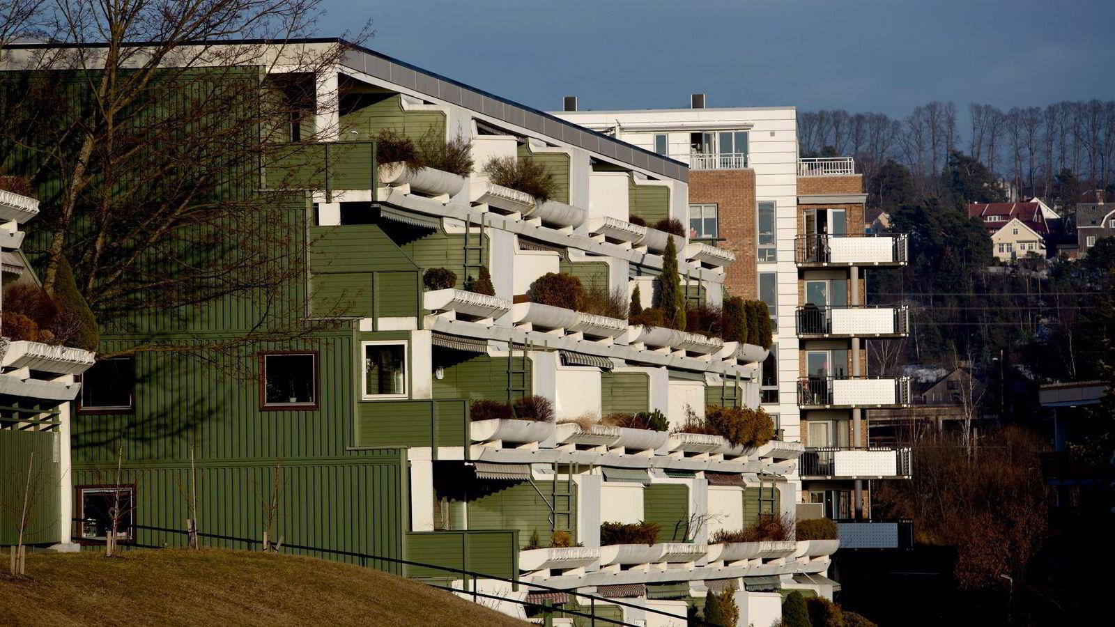 Kapitalen plasseres i økende grad i hytter og hus, og ikke i det næringslivet som skal skape arbeidsplasser og velstand i fremtiden, skriver artikkelforfatterne.  Foto: