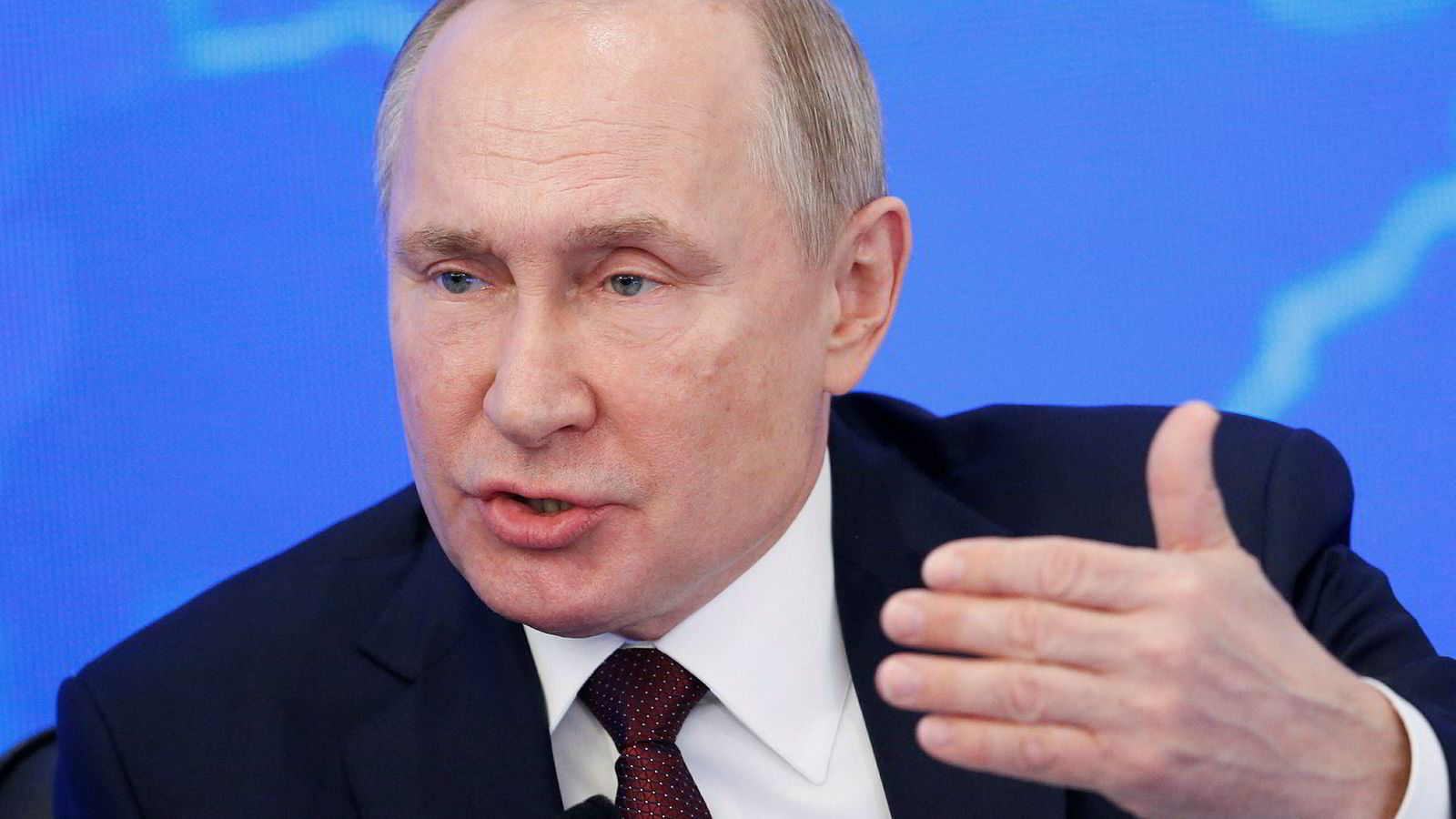 President Vladimir Putin mener Vesten og Nato må vise Russland respekt.