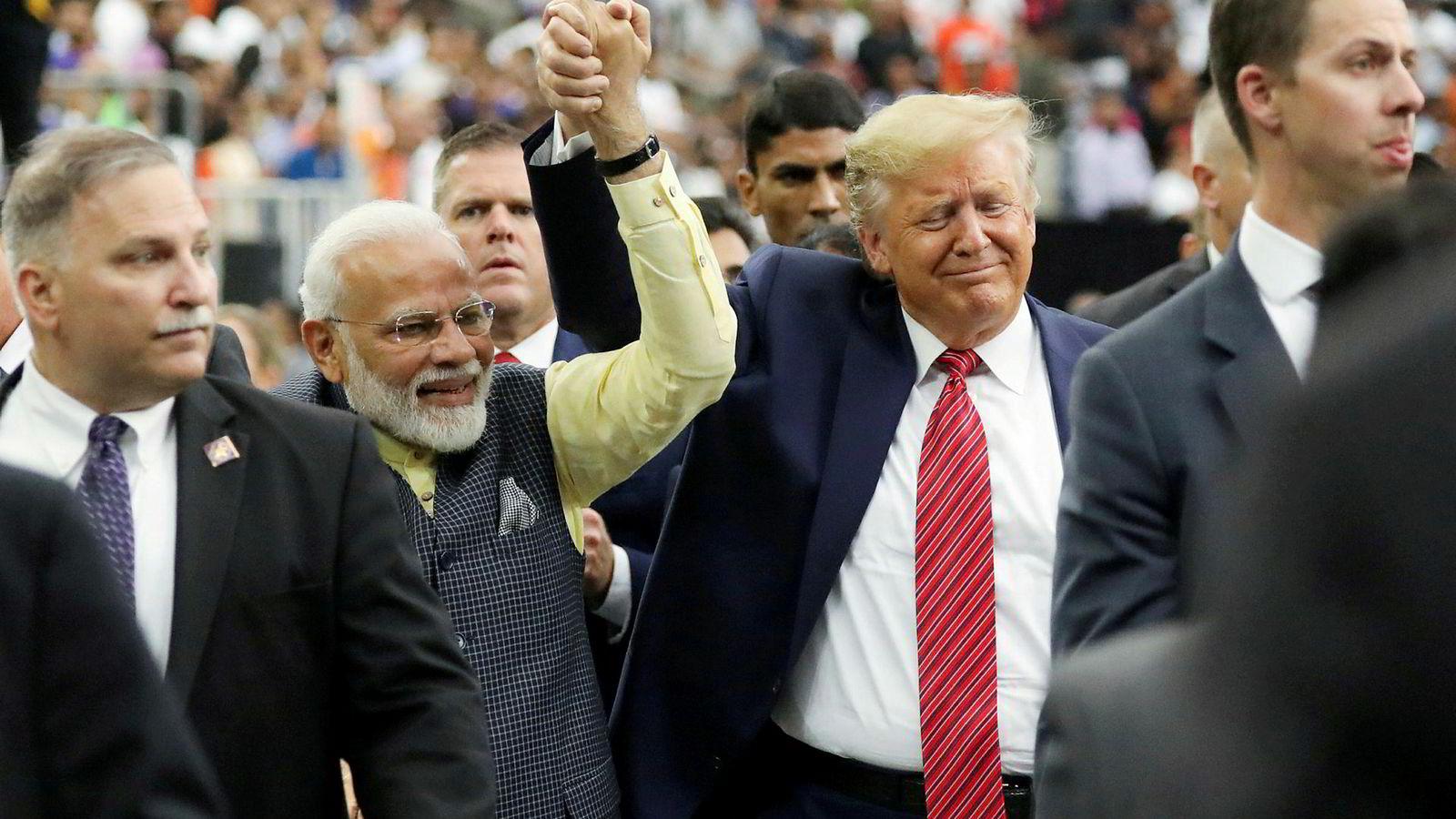 USAs president Donald Trump deltok på et «Howdy Modi»-arrangement i Houston sammen med Indias statsminister Narendra Modi. Begge satser på kull.
