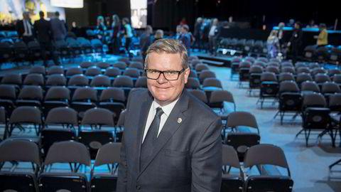 Kristiansand-ordfører Harald Furre kjører en hard linje for å sørge for at de kommuneansatte holder seg innenfor regelverket.