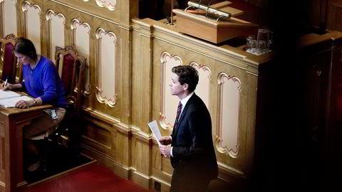 MISJONSNYTT. KrF-leder Knut Arild Hareide ville løfte perspektivet i trontaledebatten i Stortinget, så han leste opp et brev fra misjonsmarken. Foto: Ida von Hanno Bast