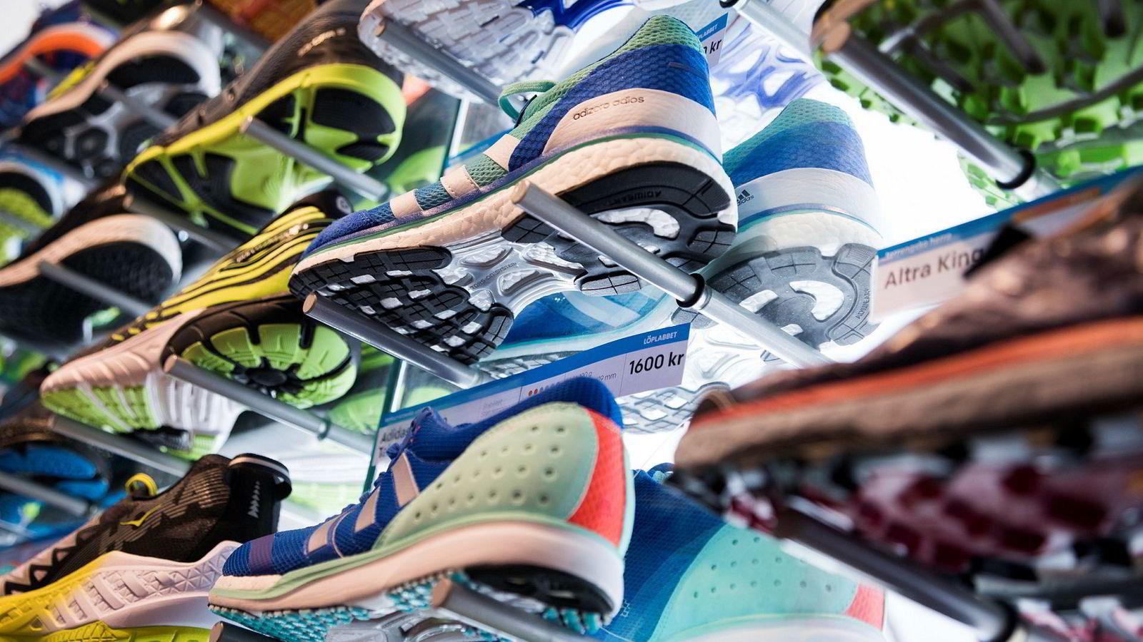 7cfb9a41211 Det er mye konkurranse på klær og sko i sportskategoriene. Det er noe av