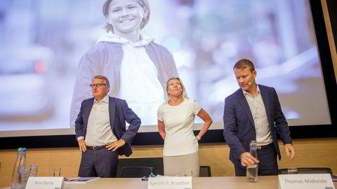 Fra høyre: kommunikasjonsdirektør Thomas Midteide, finansdirektør Kjerstin R. Braathen og administrerende direktør Rune Bjerke i DNB.