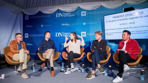 Politisk redaktør Kjetil B. Alstadheim (fra venstre) hadde ungdomspartipolitikerne Bjørn-Kristian Svendsrud (FpU), Ina Libak (AUF), Sondre Hansmark (Unge Venstre), og Daniel Skjevik-Aasberg (Unge Høyre) som gjester torsdag.